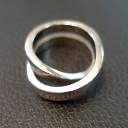 18K WHITE GOLD CARTIER RING SIZE 7