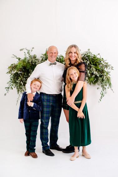 christmas greenery photography for family photoshoot