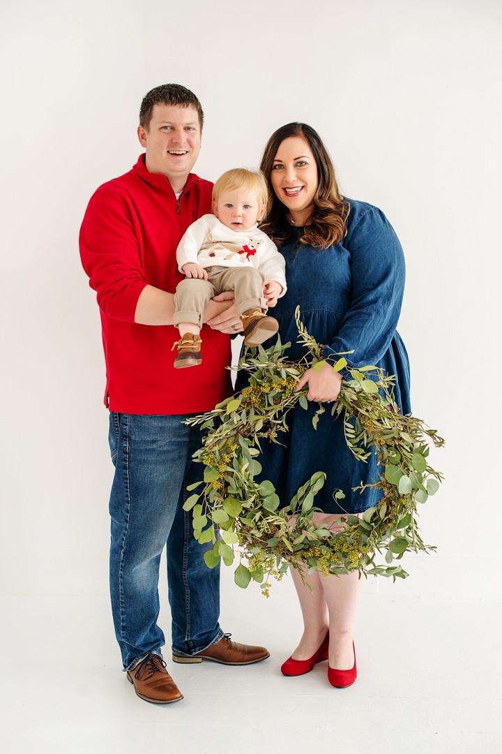 newborn christmas wreath photoshoot by cincinnati photographer