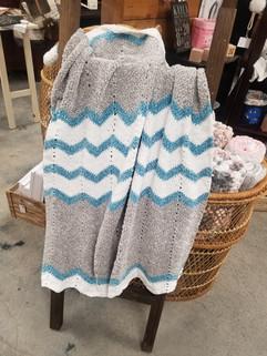 chevron baby blanket.jpg