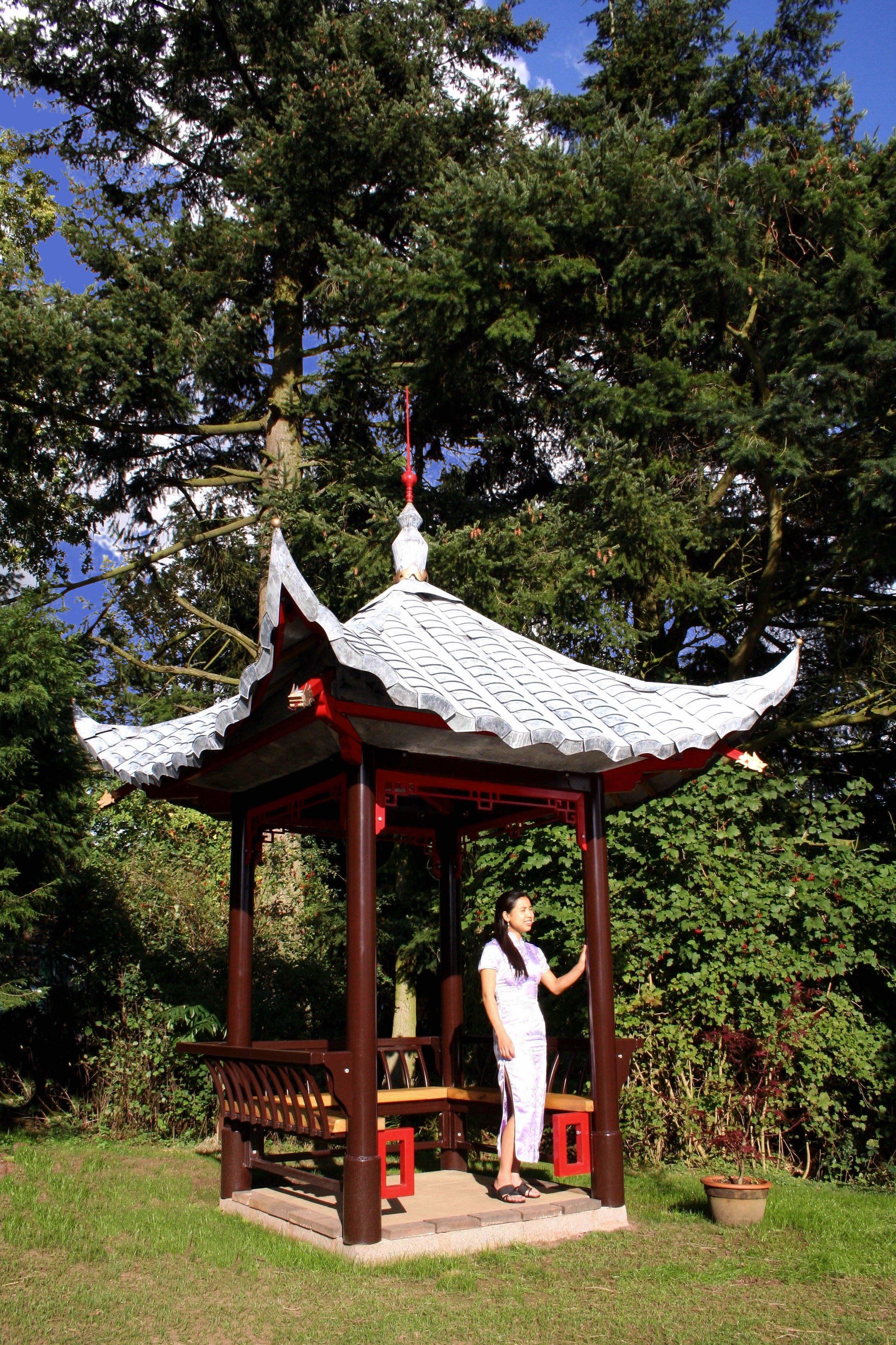 Pagoda vanessa standing.jpg