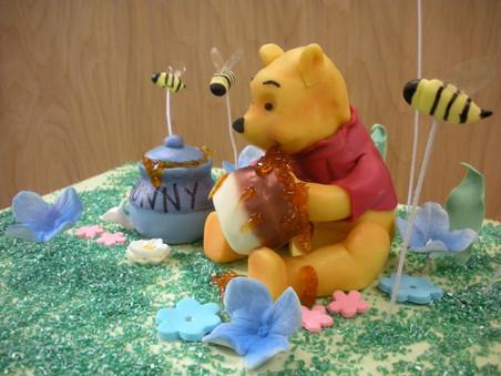 feb. sculpted cakes (20).jpg