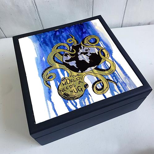 The World Needs a Hug Jewellery Box