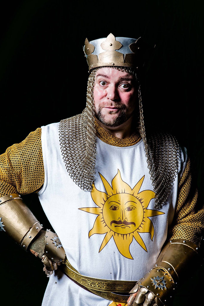 Nick lewis as Sir Arthur – photo by Matthew Kitchen