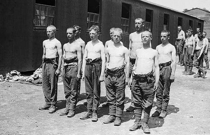 Boy soldiers at Etaples: Imperial War Museum