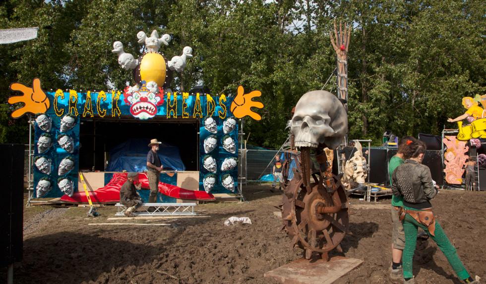Crackheads Sideshow. Unfairground, Glastonbury Festival 2010