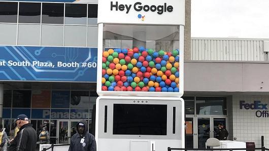 giant-google-gumball-machine-ces-2018