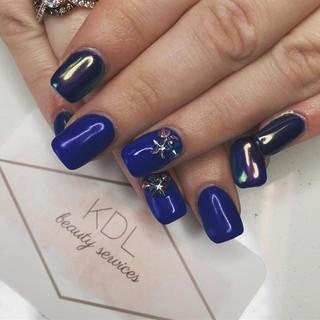 Cobalt blue opal chrome nails 💙
