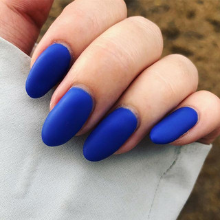 We are in love with this electric blue matte! 😍