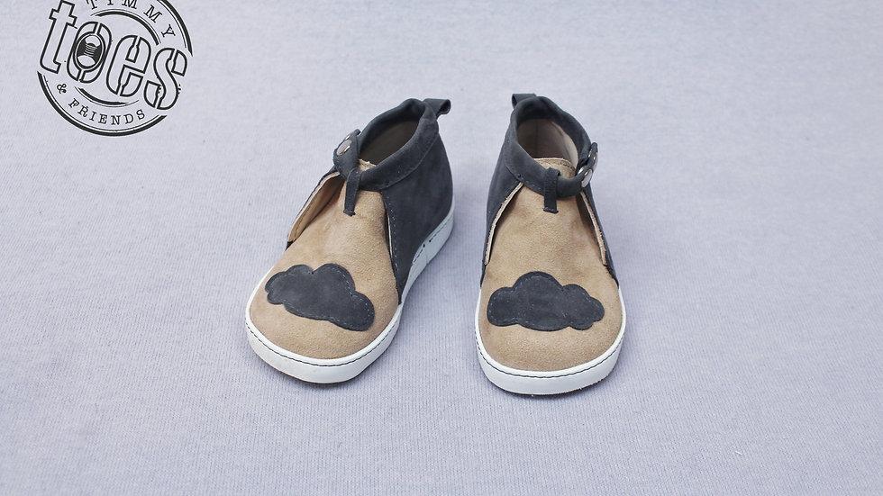 Snap button shoes