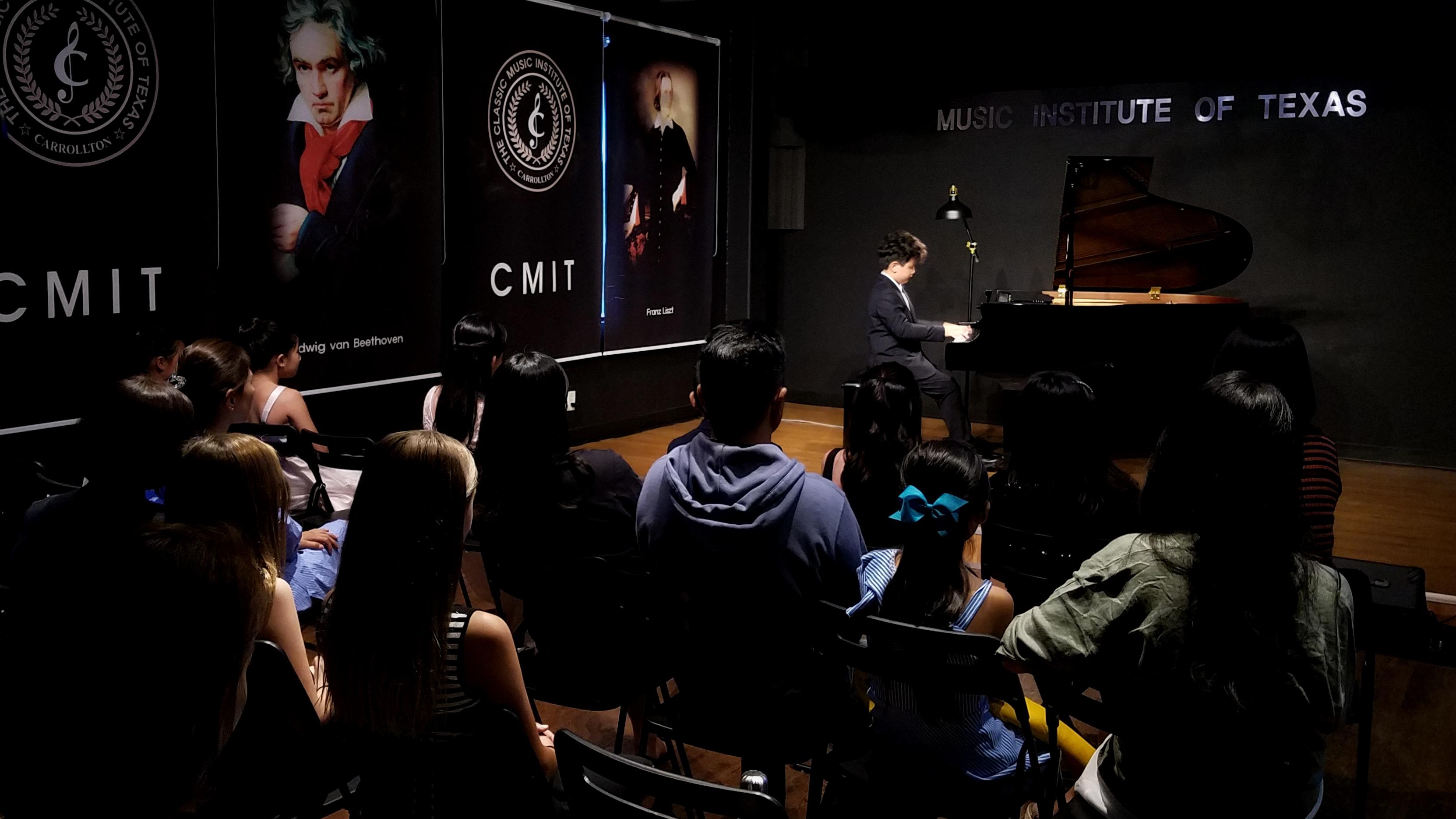 Young Pianists Recital 090819 - 04