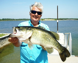 Texas State Record Plnor Fishing Largemouth Bass - 8 lbs
