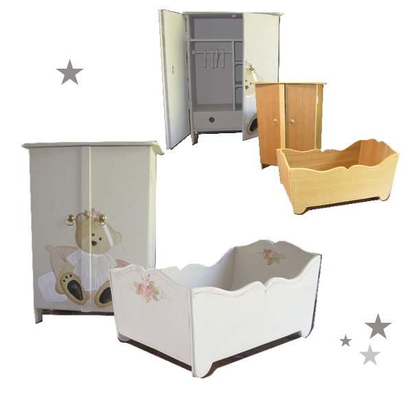 armoire pour poupée