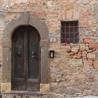 Volterra Centro, Italia 10-18