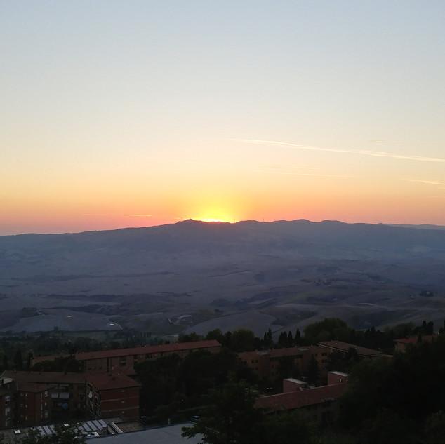 Volterra, Italia 10-18