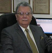 Dr._Raúl_Lara_Menéndez_(Centro_Salvadore