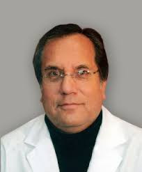Dr. Fernando Salas