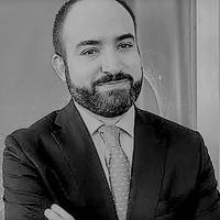Dr. Andrés Cardona