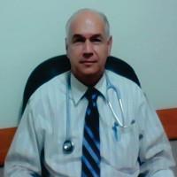 Dr. Álvaro Menéndez Leal