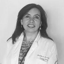 Dra. Claudia Arce