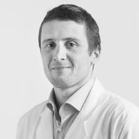 Dr. Claudio Solé