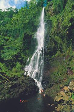 waterfall-at-cocos-island-undersea-hunte