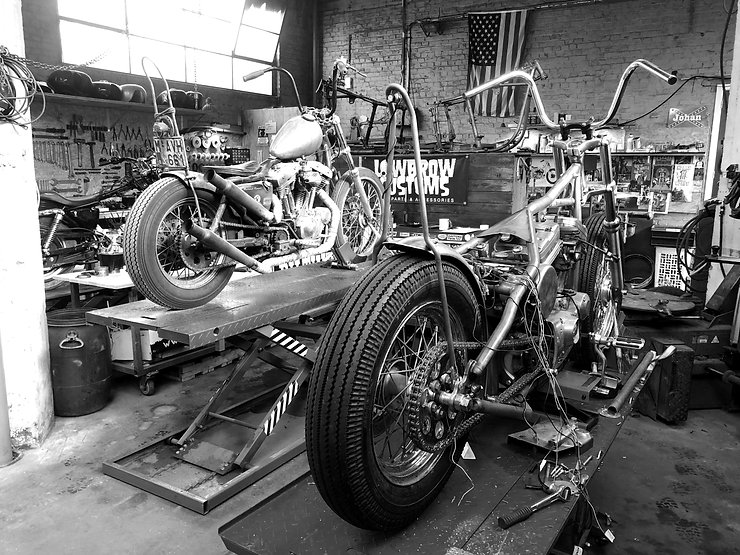 garage%20twisted%20pistons%20motorcycles