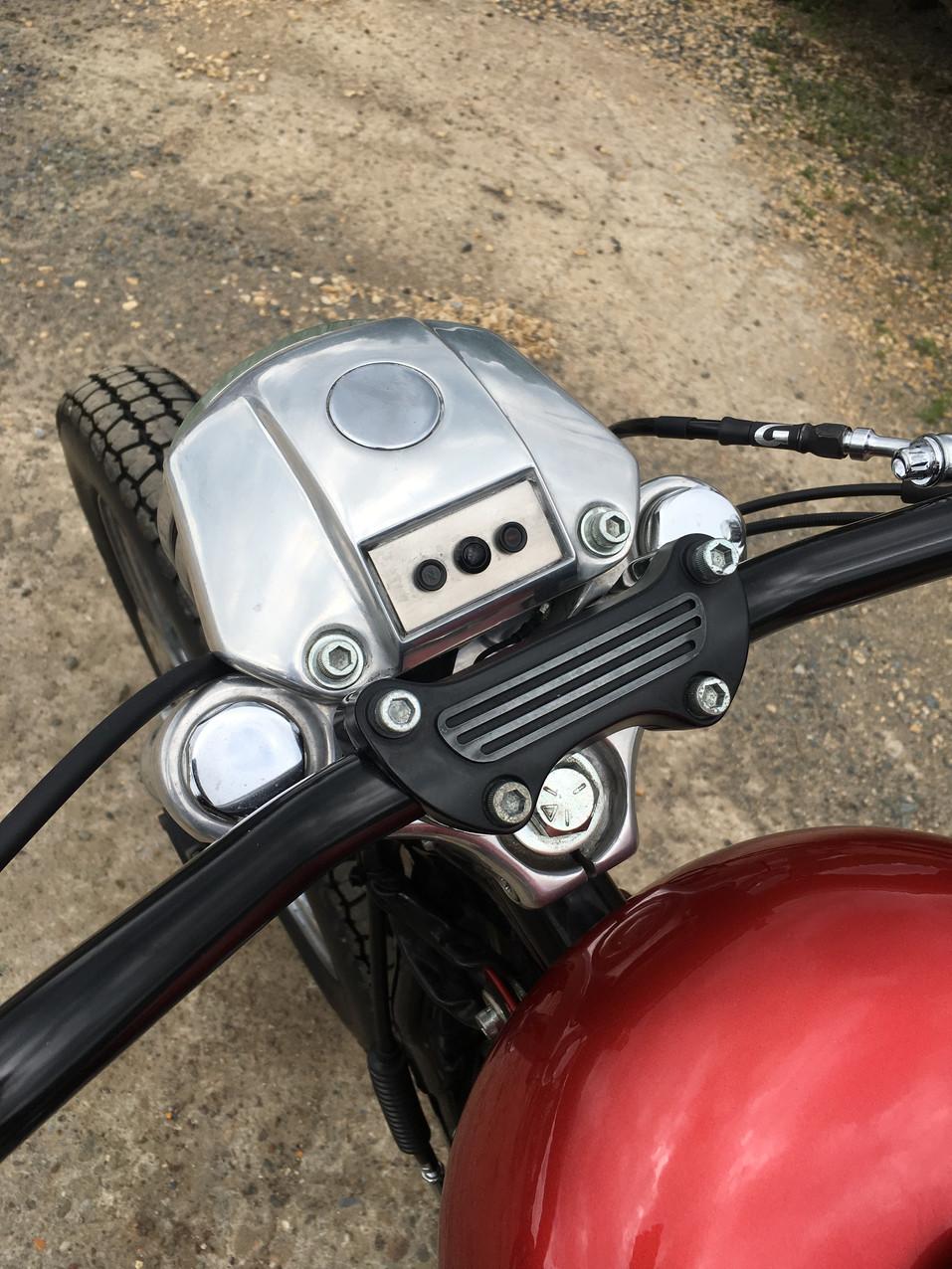 HD XL TRACKER - TWISTED PISTONS