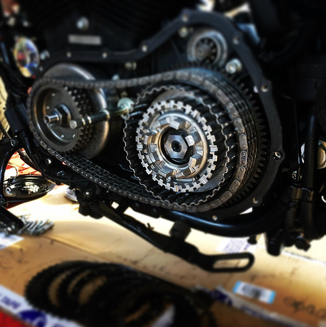 Entretien Twisted Pistons - Atelier Harl