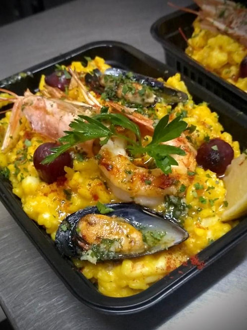 Paella de pescados y mariscos para 2 personas