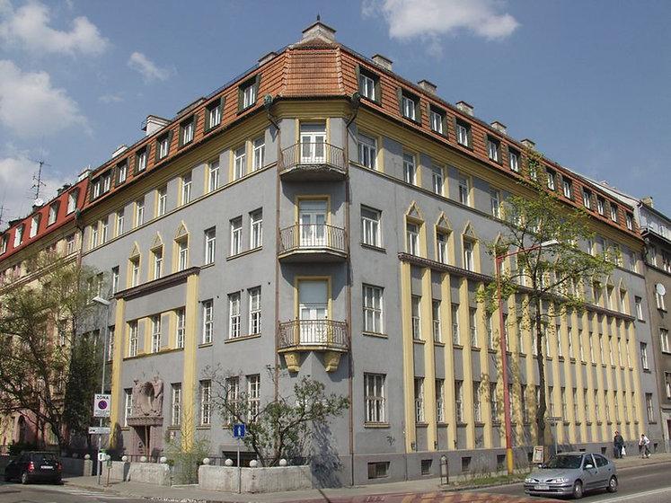 budova-historickeho-ustavu-sav.jpg