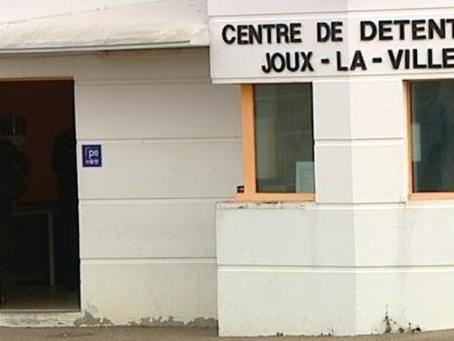Prison de Joux-la-Ville : Il est l'or mon saigne-or !