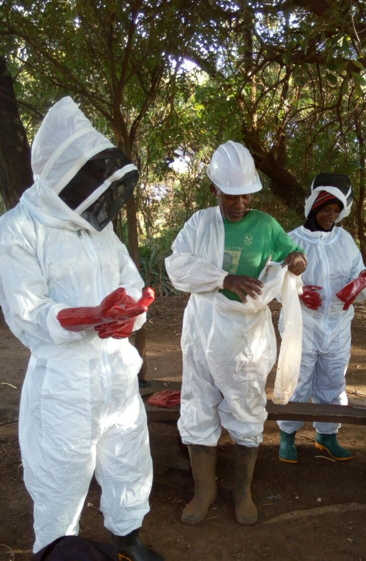 Mwadu group learning beekeeping