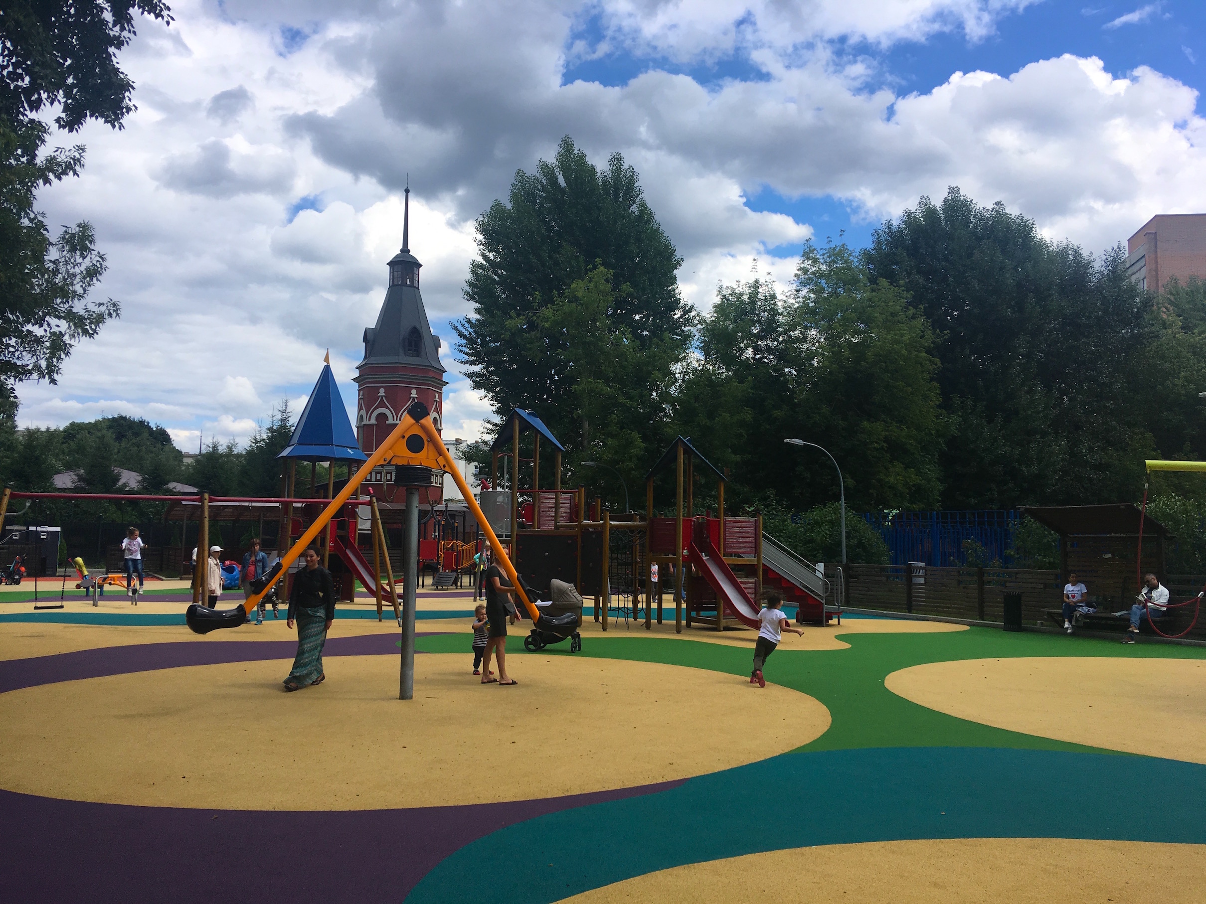 Покрытия детских площадок в парке Таганс