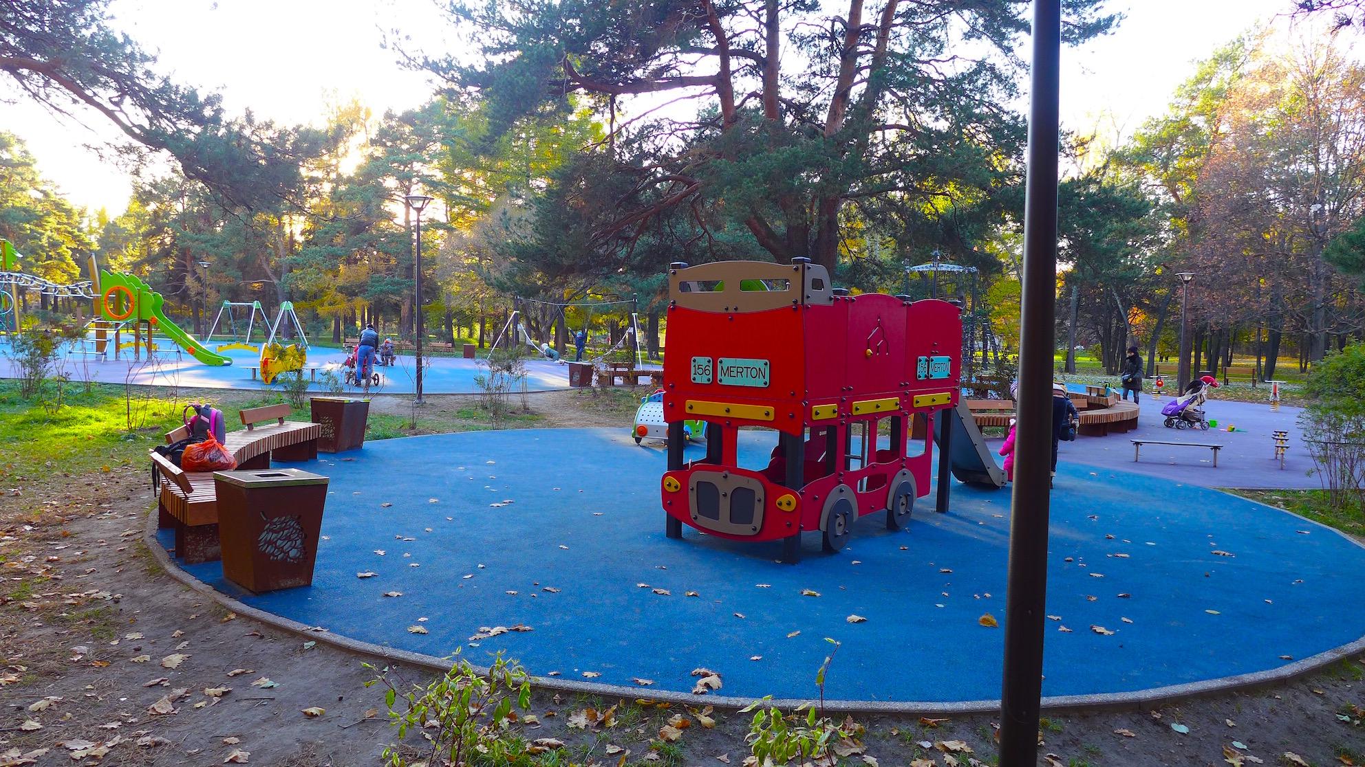 Детская площадка в Аршиновском парке