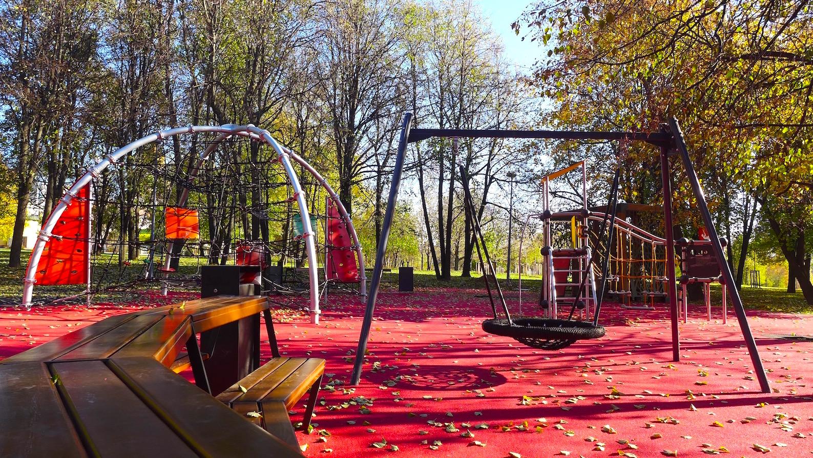 Детская площадка в парке Олимпийская деревня 80