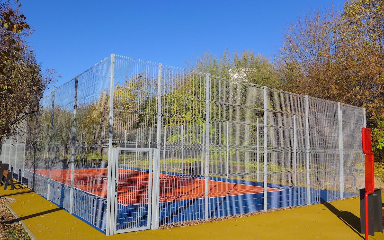 Резиновое покрытие спортивных площадок в Олимпийской деревне 80