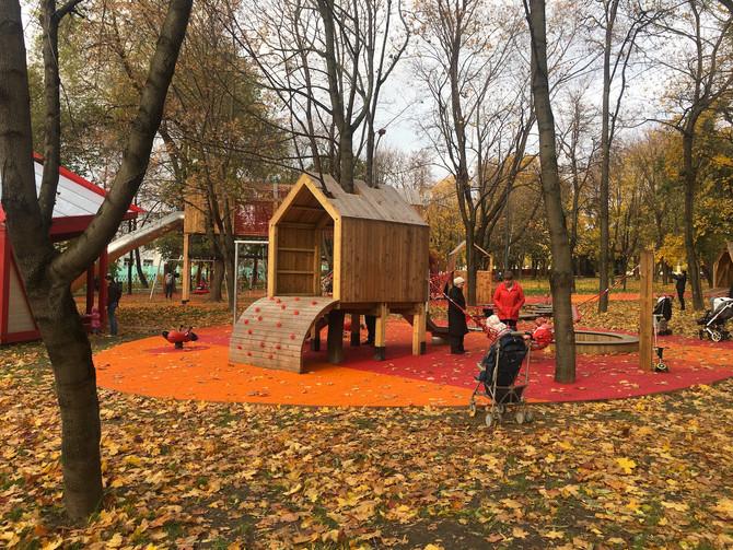 """Детская площадка в """"Красногвардейских прудах"""""""