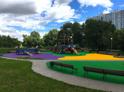 Детская площадка в Братеевском парке