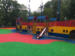 Покрытие для детской площадки в зоне отдыха Борисовские пруды