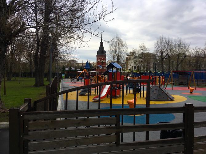 """Мы приступаем к замене старого резинового покрытия в парке """"Таганский"""""""