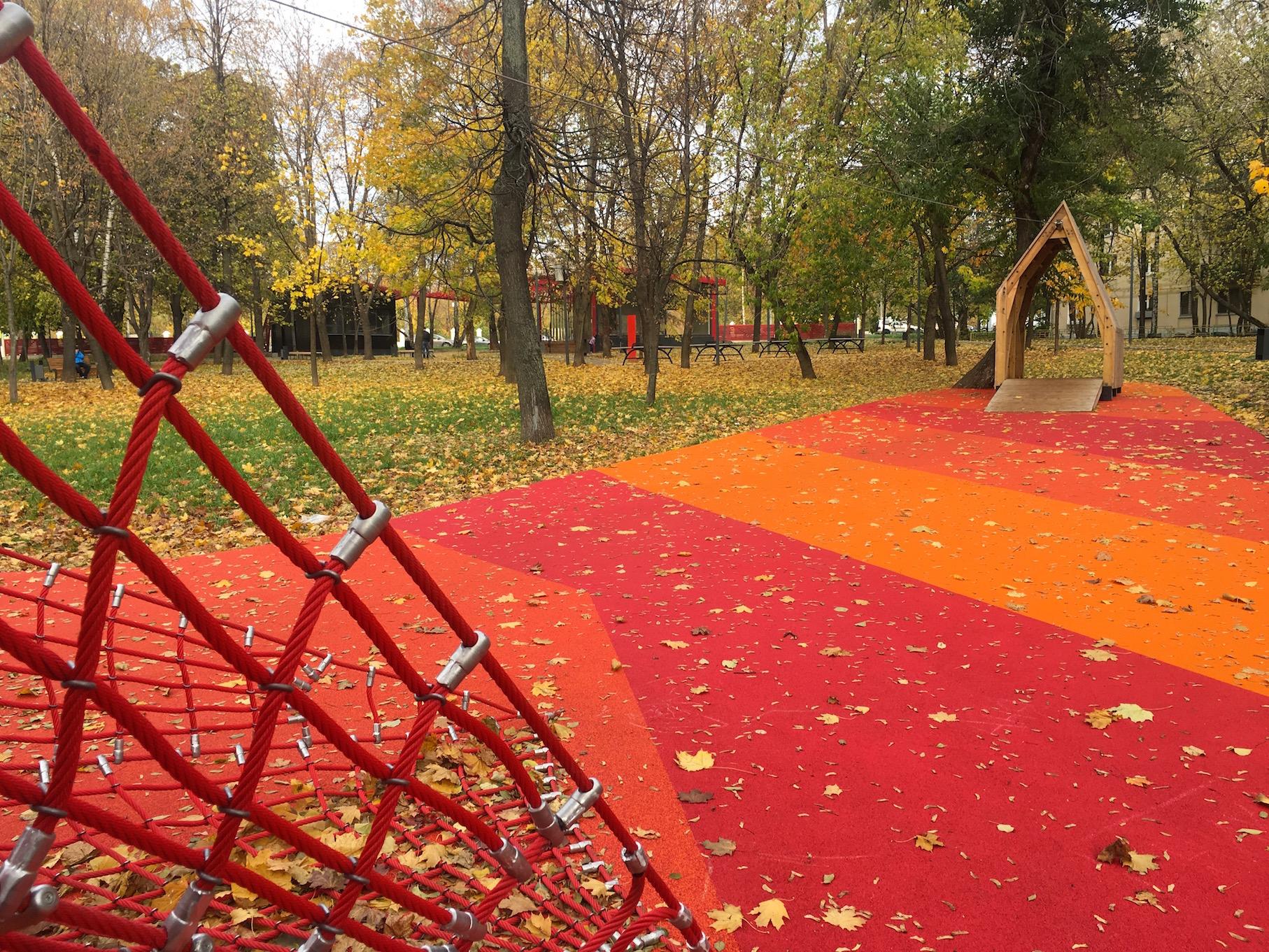 Резиновые покрытия в парке Красногвардейские пруды