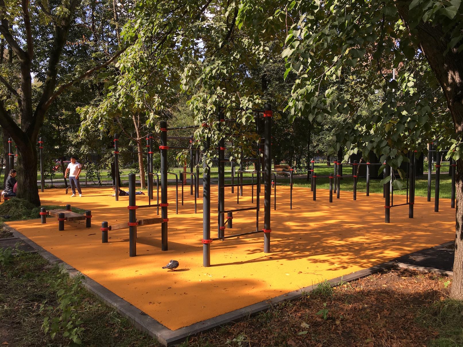Покрытие спортивной площадки