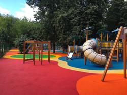 Замена покрытий на детской площадке в парке Красная пресня