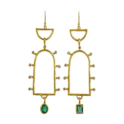DOUBLE CLOSED ARCH EMERALD EARRINGS