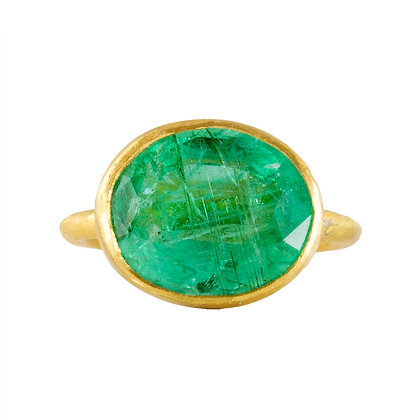 LARGE OVAL COLOMBIAN EMERALD RING