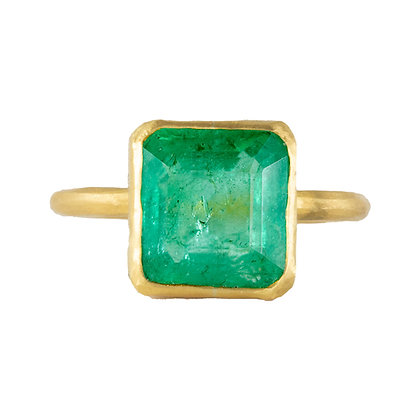 LARGE COLOMBIAN EMERALD RING