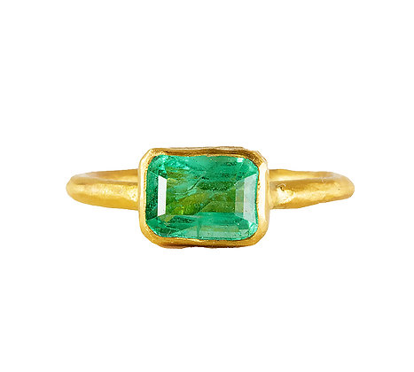 SMALL EAST WEST COLOMBIAN EMERALD RING