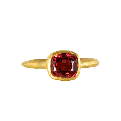DEEP RED SPINEL RING