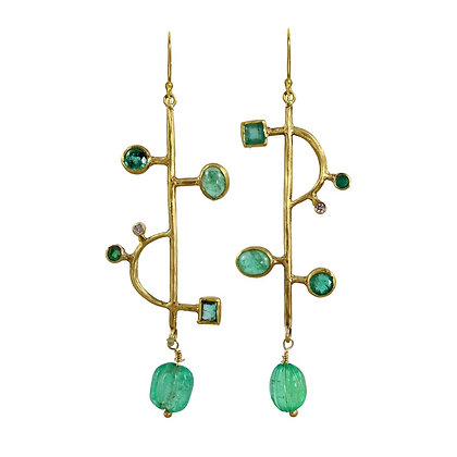ASYMMETRIC EMERALD EARRINGS